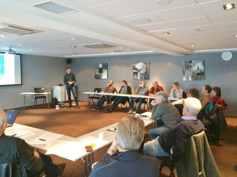 Fredrik Ording, Asplan Viak AS holdt innlegg om betydningen av den nye drikkevannsforskriften, helserisiko ved arbeid på koaguleringsanlegg og nyheter om Moldeprosessen siden forrige møte